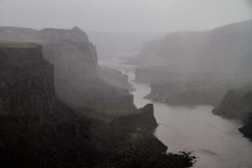 Looking towards Hafragilsfoss, Jokulsargljufur canyon.