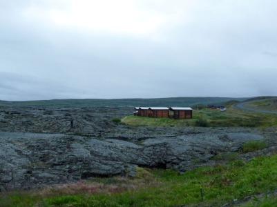 Cabins by the 1720 Krafla lava flow, Reykjahlíð, Lake Mývatn. (Photo © Kate Narewska.)
